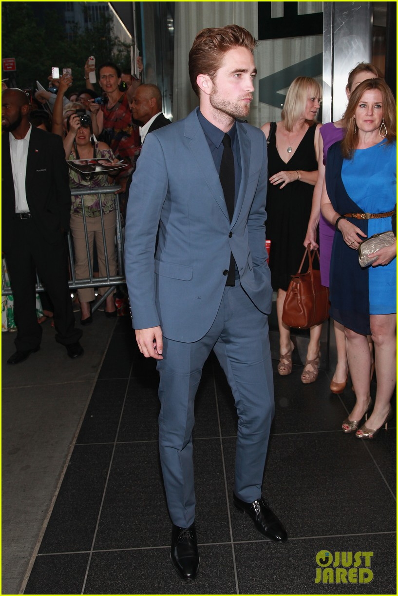 robert pattinson cosmopolis premiere first pics 08