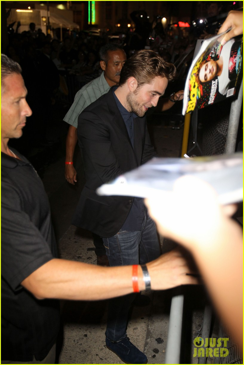 robert pattinson jimmy kimmel live appearance 18