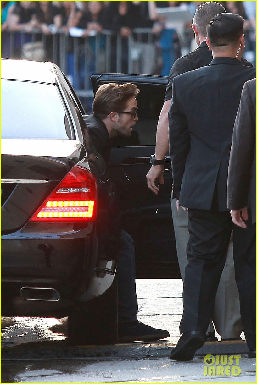 robert pattinson jimmy kimmel live appearance 292707144
