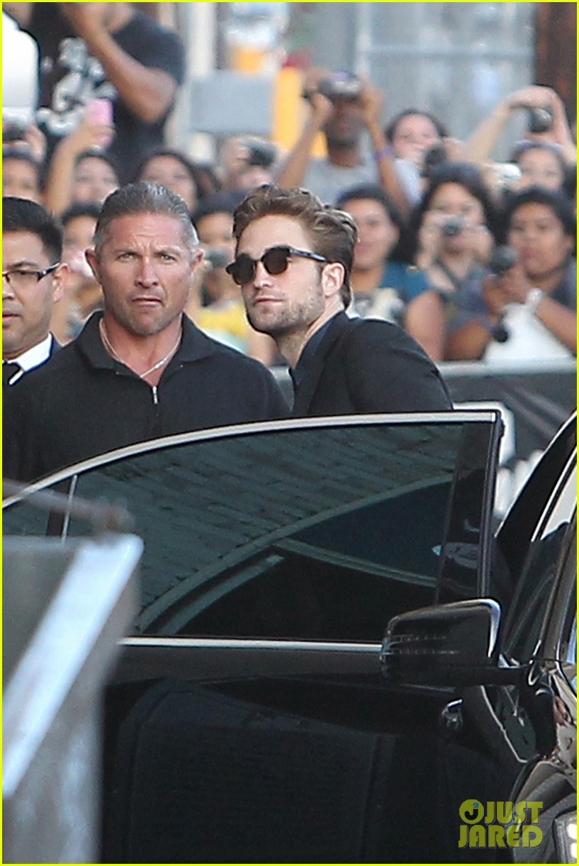 robert pattinson jimmy kimmel live appearance 332707148