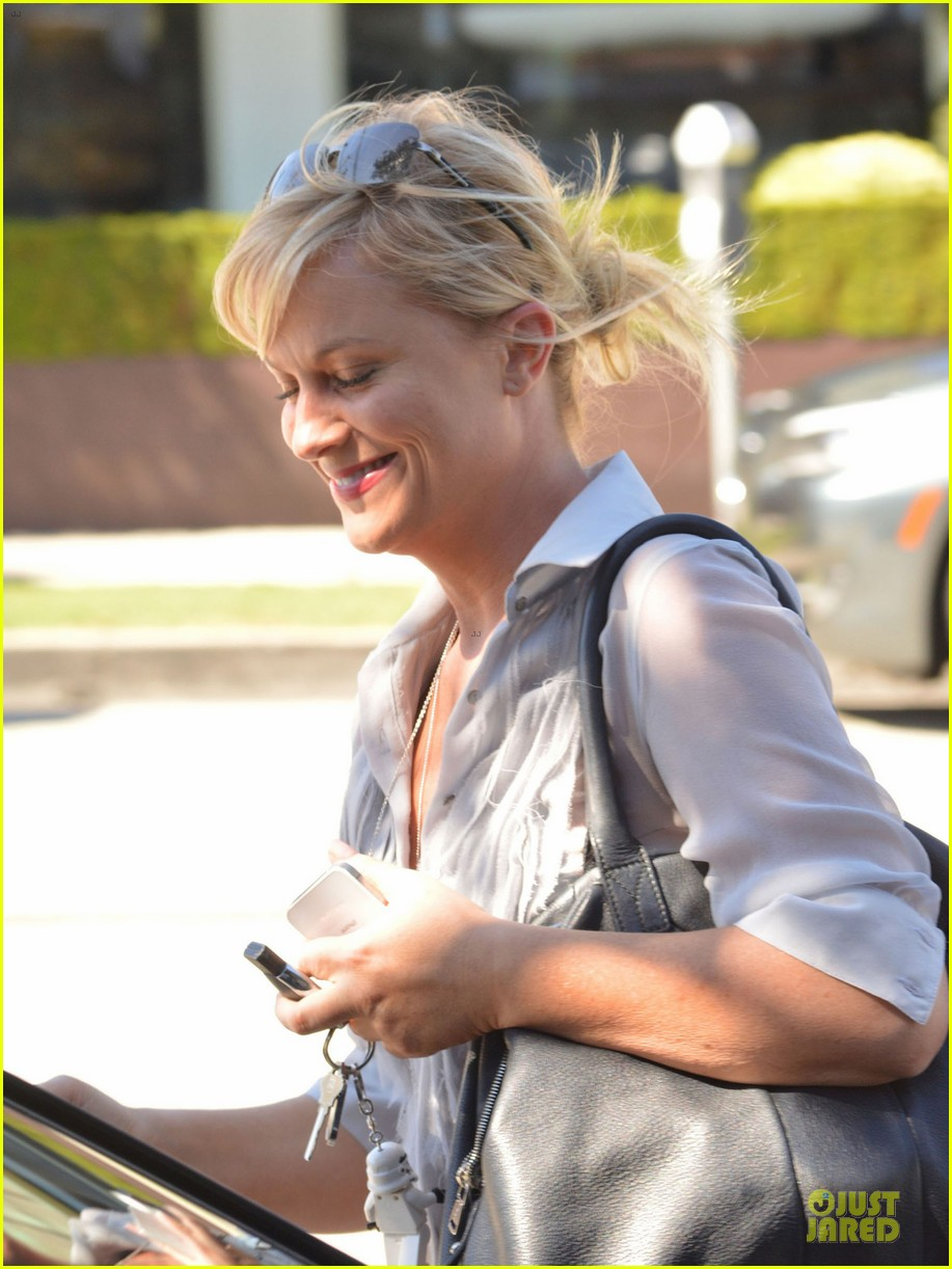 amy poehler  domestic worker supporter 04