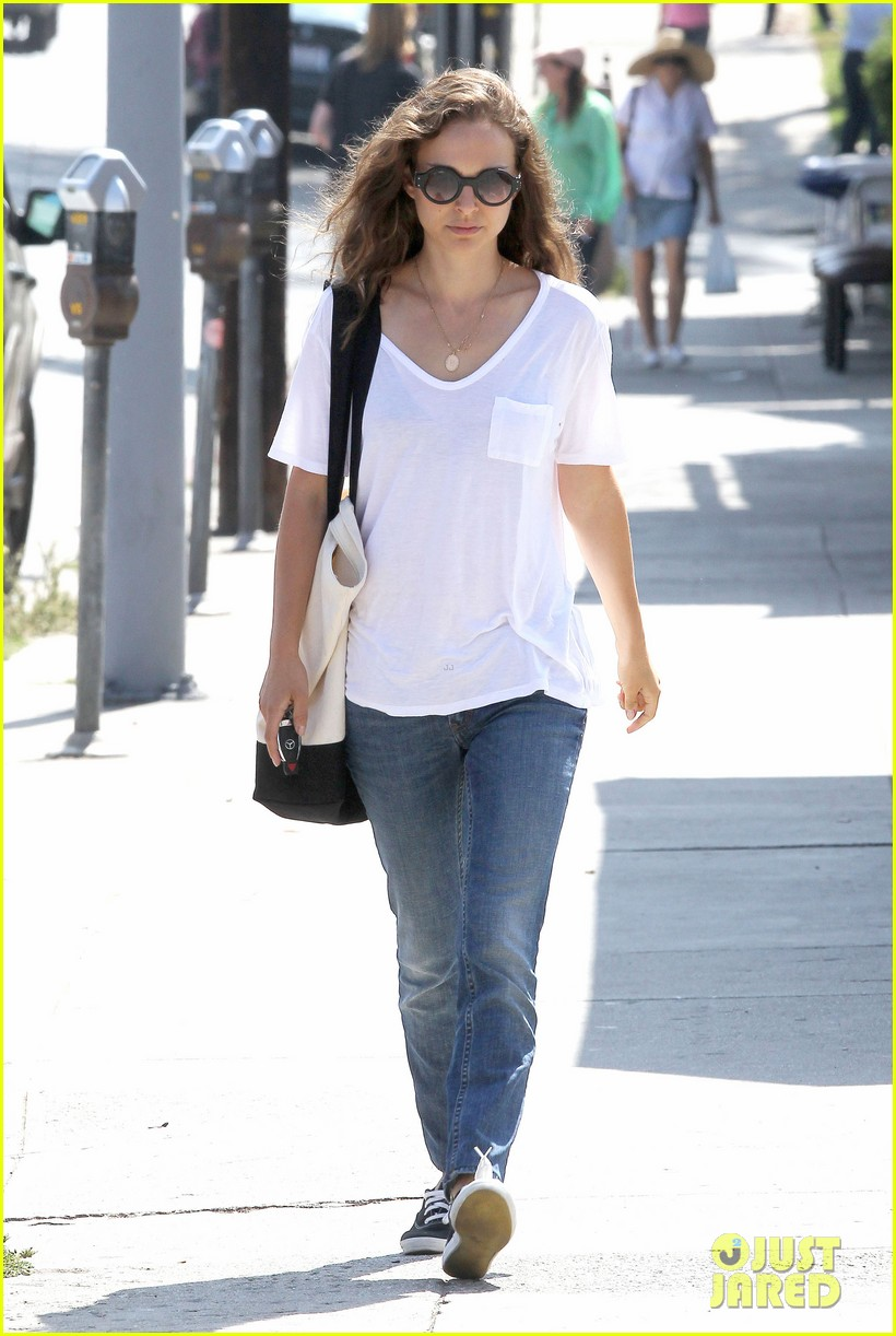 natalie portman early lunch 18