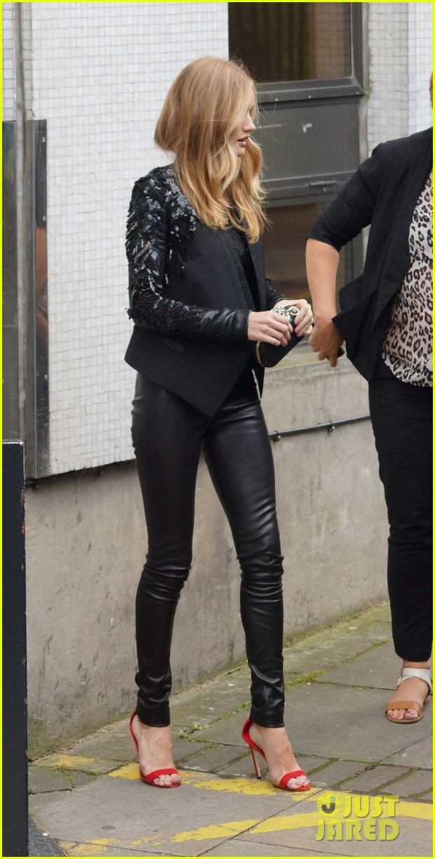 rosie huntington whiteley itv studios 04