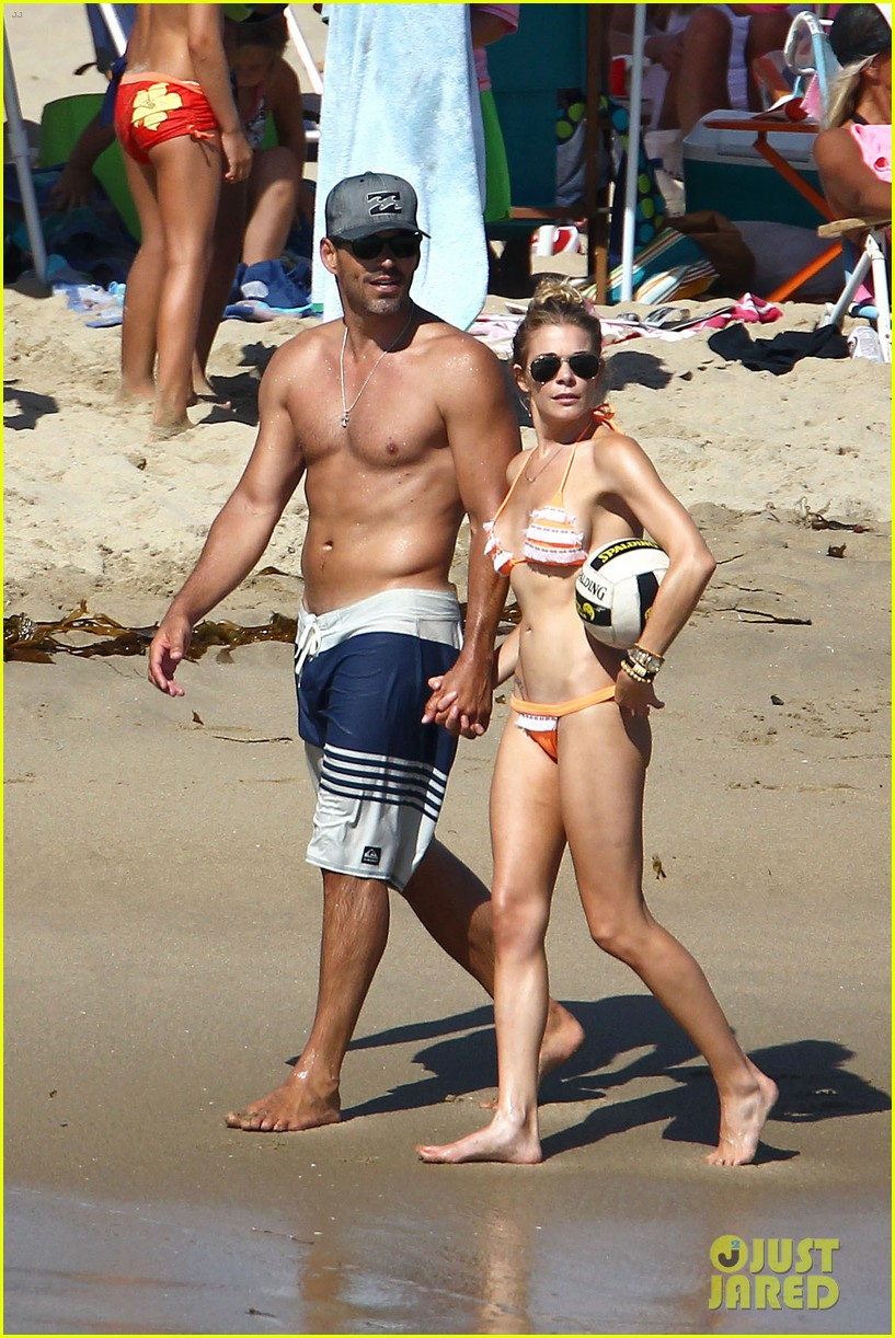 leann rimes bikini beach babe with eddie cibrian 01