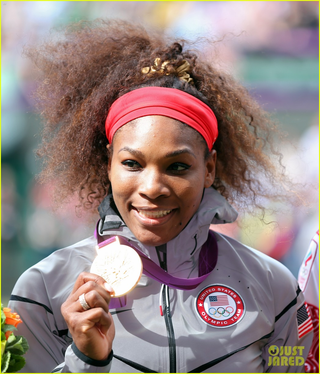 serena williams tennis gold 01