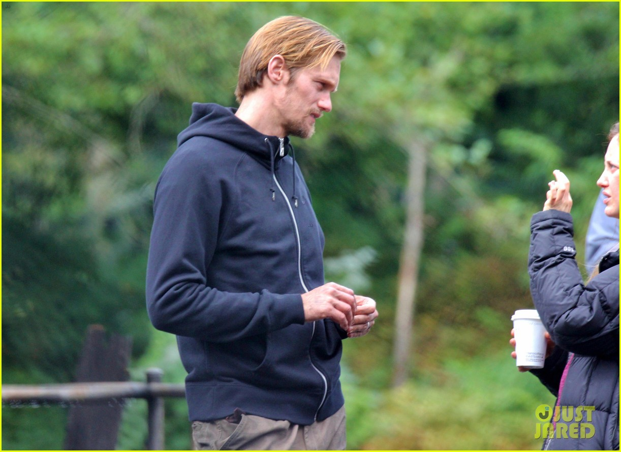 alexander skarsgard hidden set with andrea riseborough 13