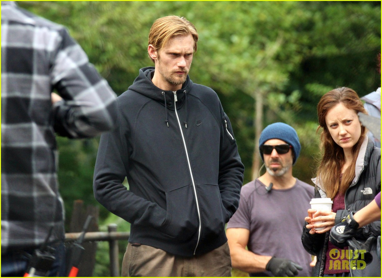 alexander skarsgard hidden set with andrea riseborough 20