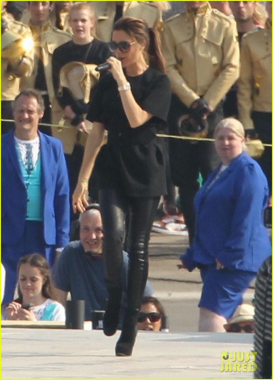 victoria beckham spice girls rehearsal olympics closing ceremony 04