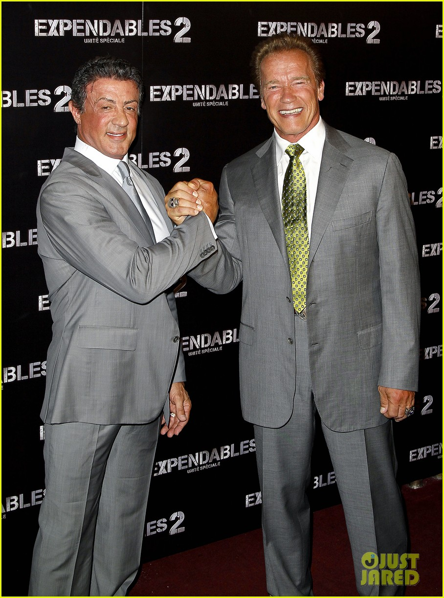 ¿Cuánto mide Sylvester Stallone? - Real height Schwarzenegger-stallone-statham-expendables-2-premiere-04
