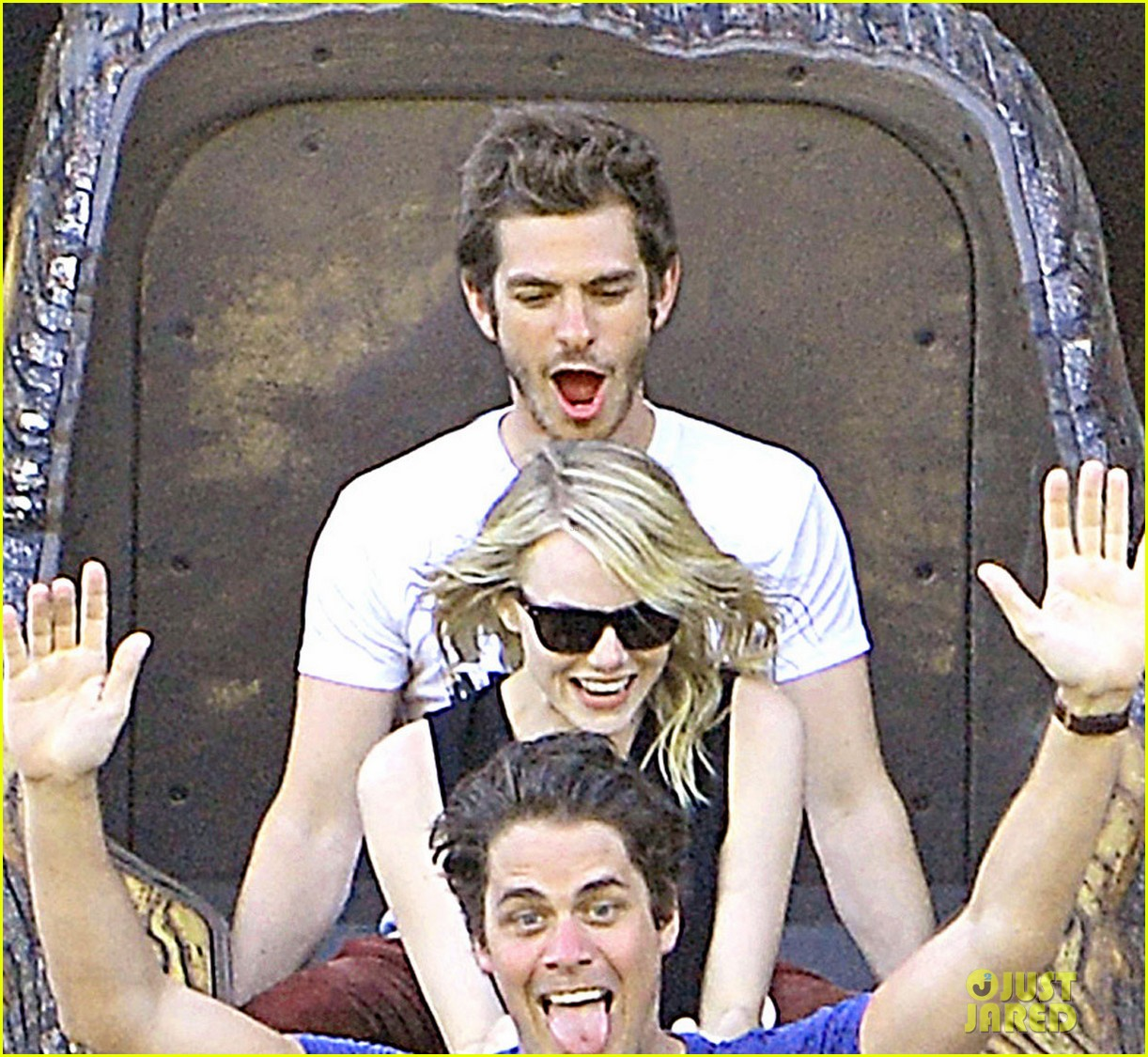 emma stone andrew garfield disneyland birthday celebration 04