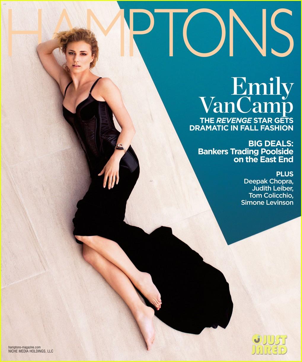 Revenge - saison 2 le 30/09, sur ABC - Page 5 Emily-vancamp-covers-hamptons-magazine-september-2012-01