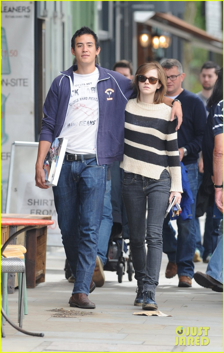 emma watson will adamowicz london stroll 012708837