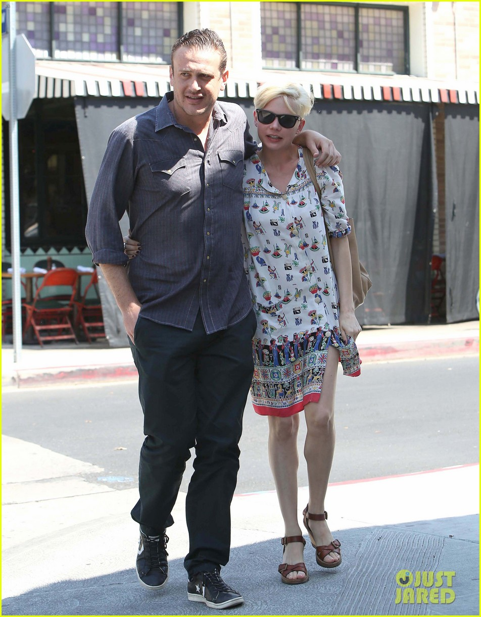 michelle williams jason segel lunch in los feliz 01