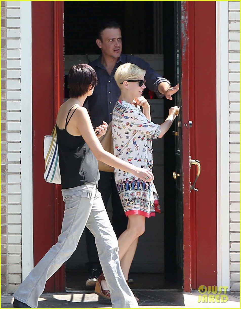 michelle williams jason segel lunch in los feliz 07