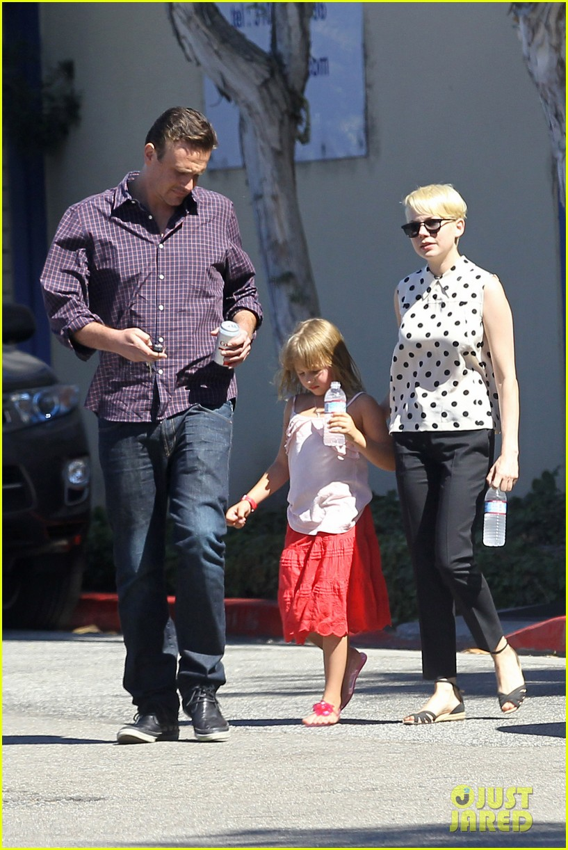 michelle williams jason segel ice cream with matilda 13