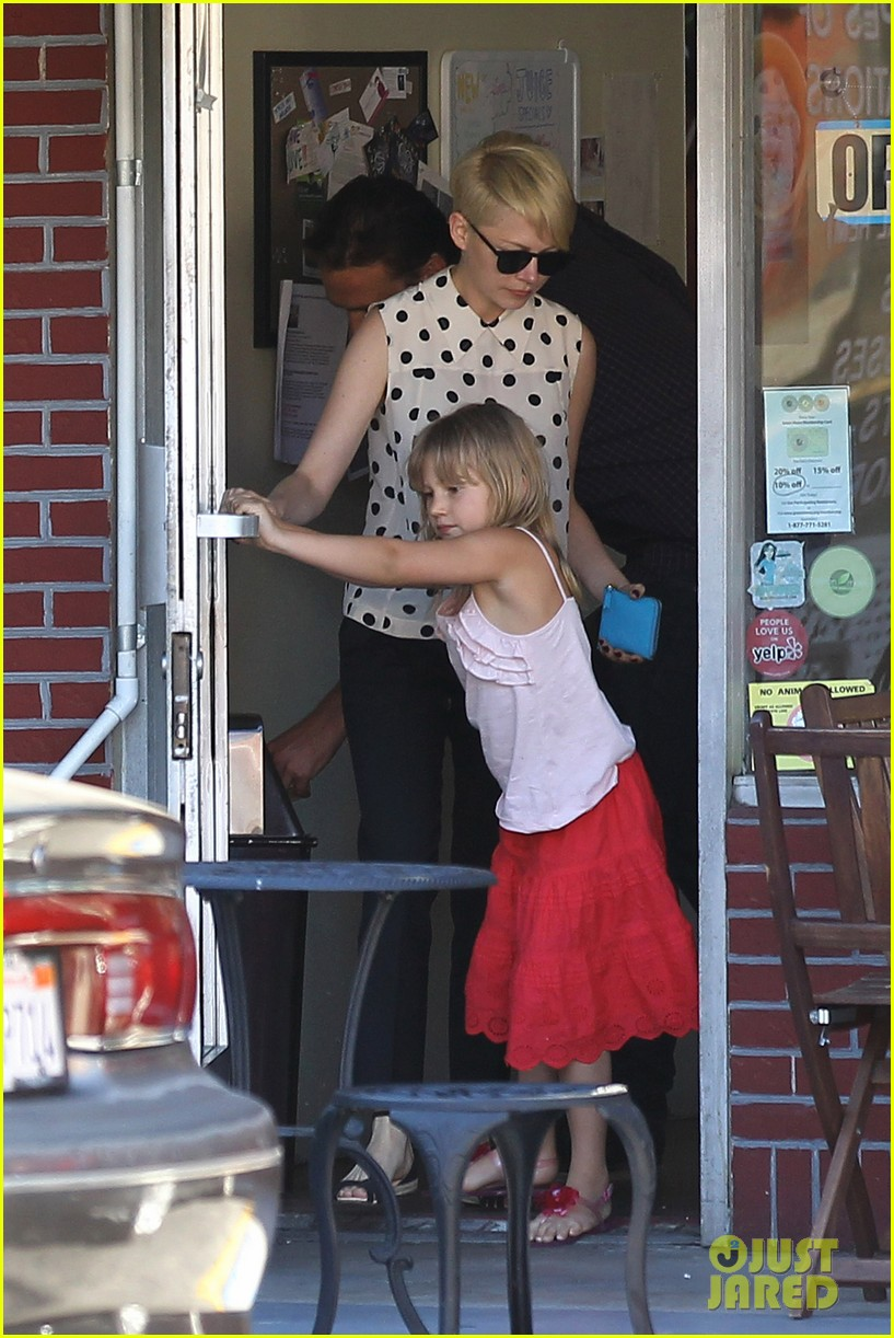 michelle williams jason segel ice cream with matilda 21