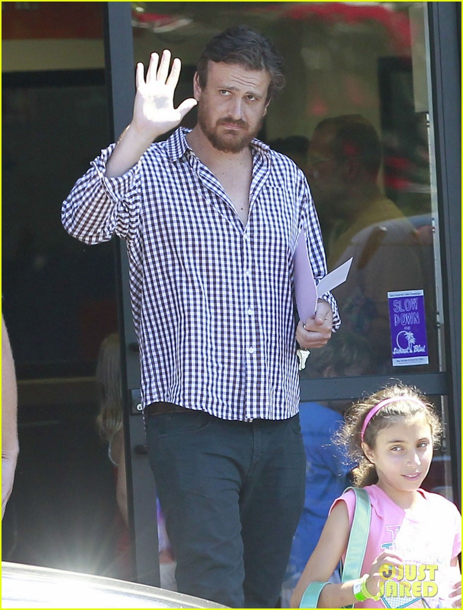 michelle williams jason segel matilda pick up 022697909