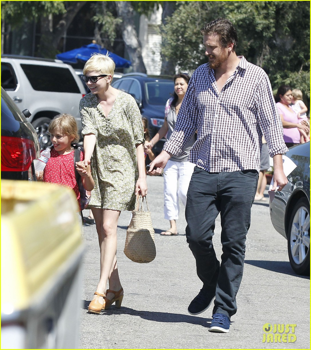 michelle williams jason segel matilda pick up 14