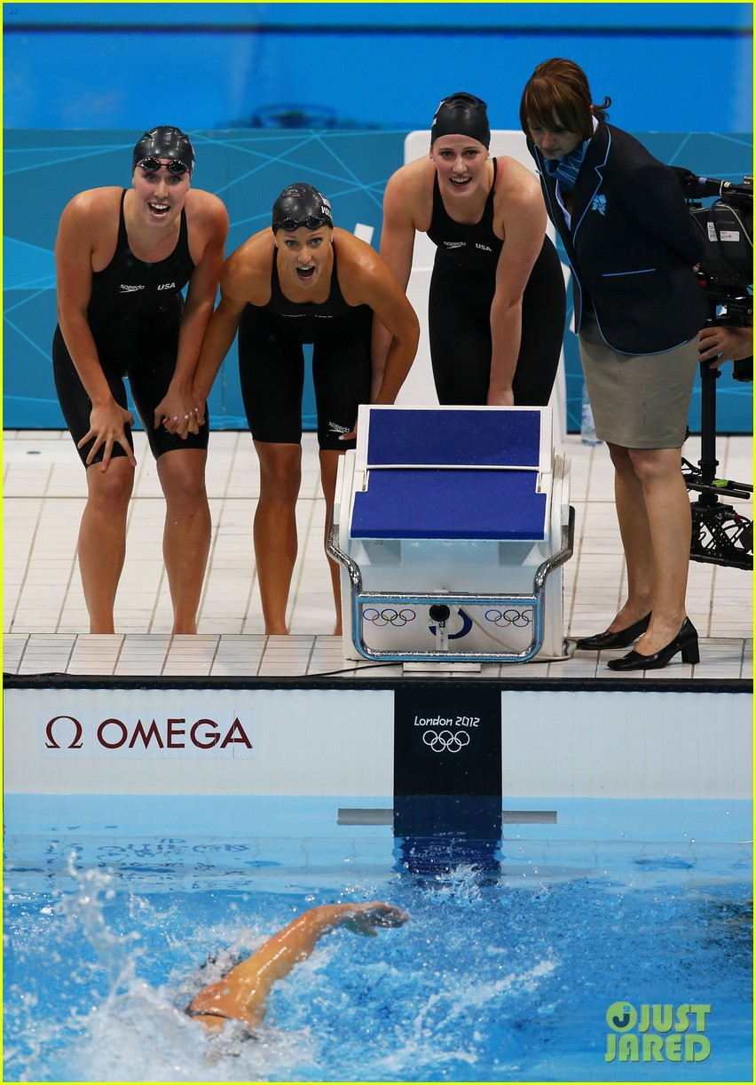 womens us swimming team wins gold in 4x200m freestyle relay 13