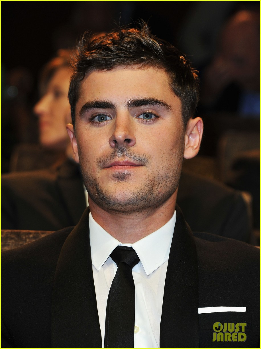 zac efron at any price venice premiere 06