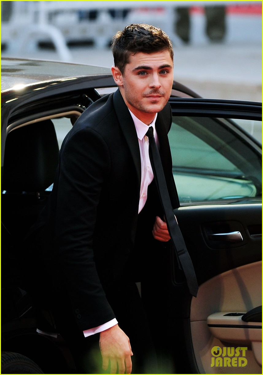 zac efron at any price venice premiere 15