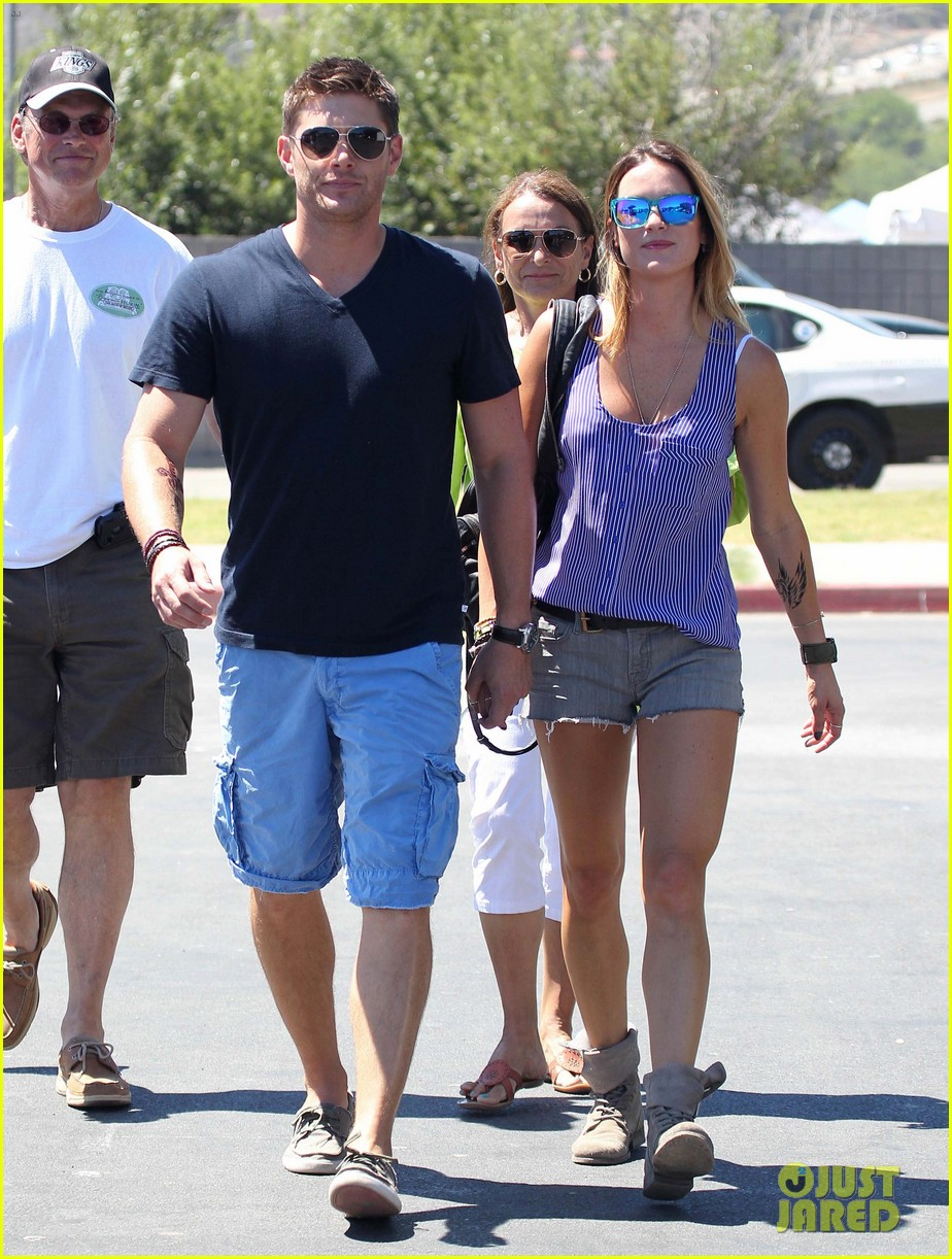 jensen ackles malibu chili cook off with danneel 032713243
