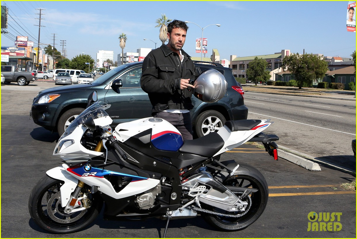 ben affleck culver city motorcycle man 042729888