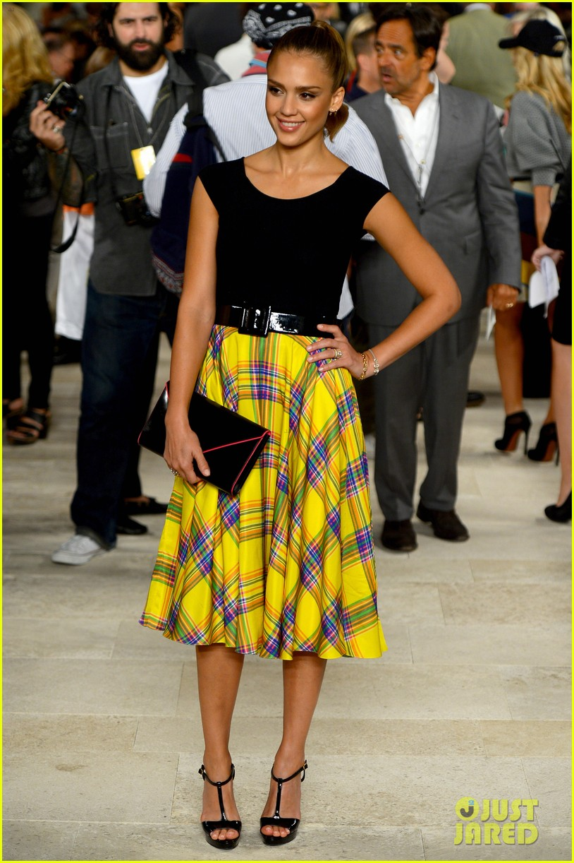 Jessica Alba Ralph Lauren Show At Nyfw