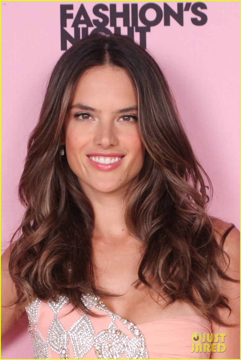 alessandra ambrosio victorias secret fashions night out 07