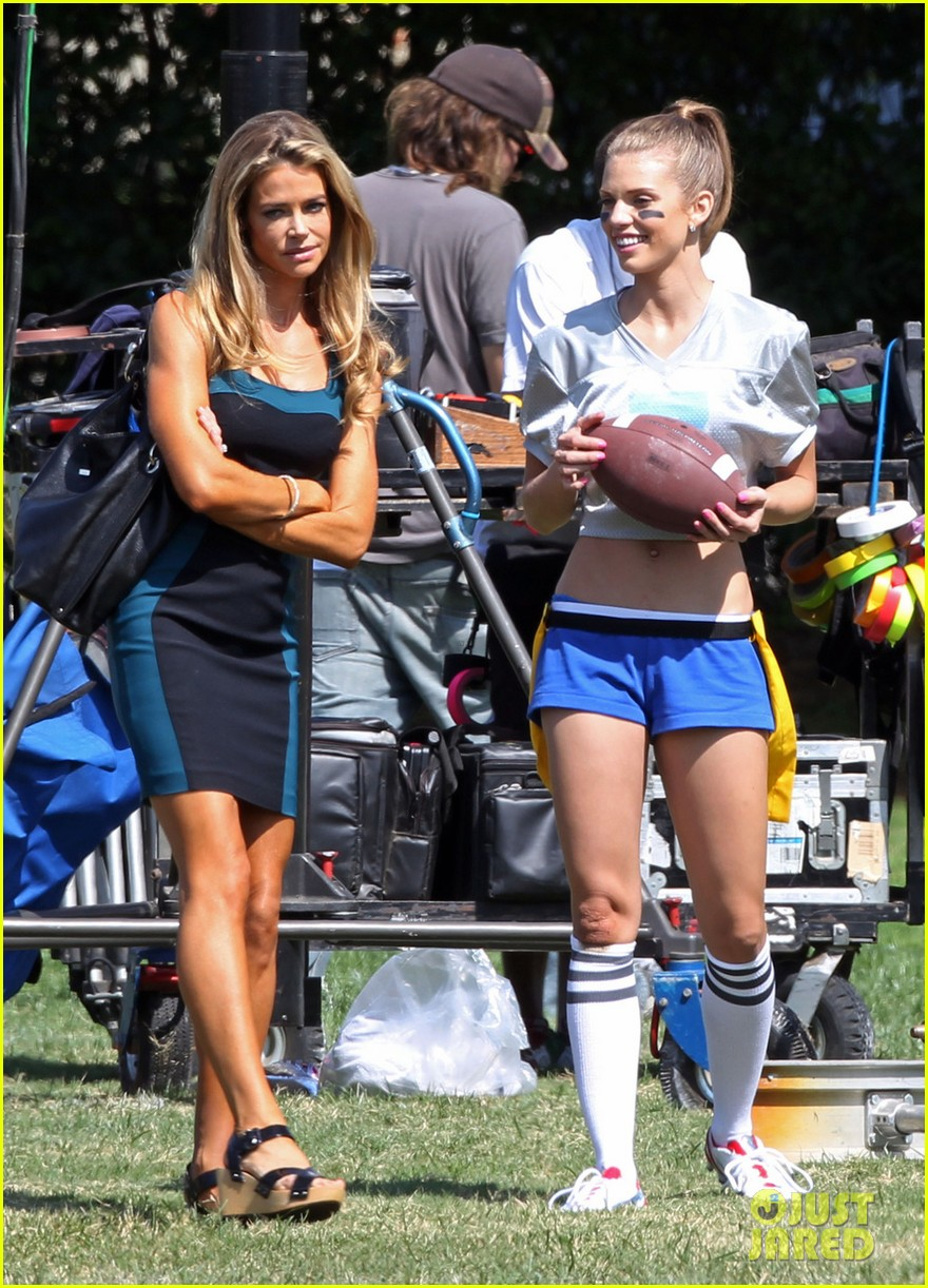 annalynne mccord 90210 football game 022729330