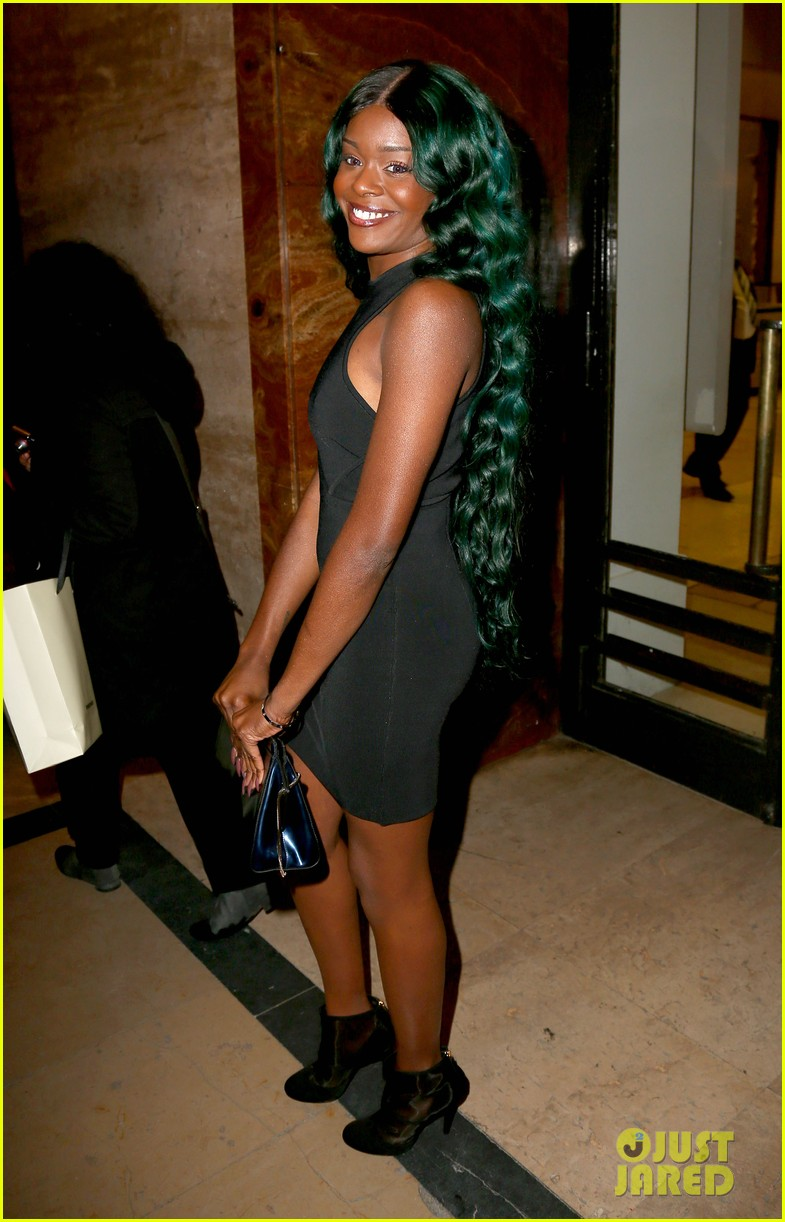 azealia banks green hair at thierry mugler show 01