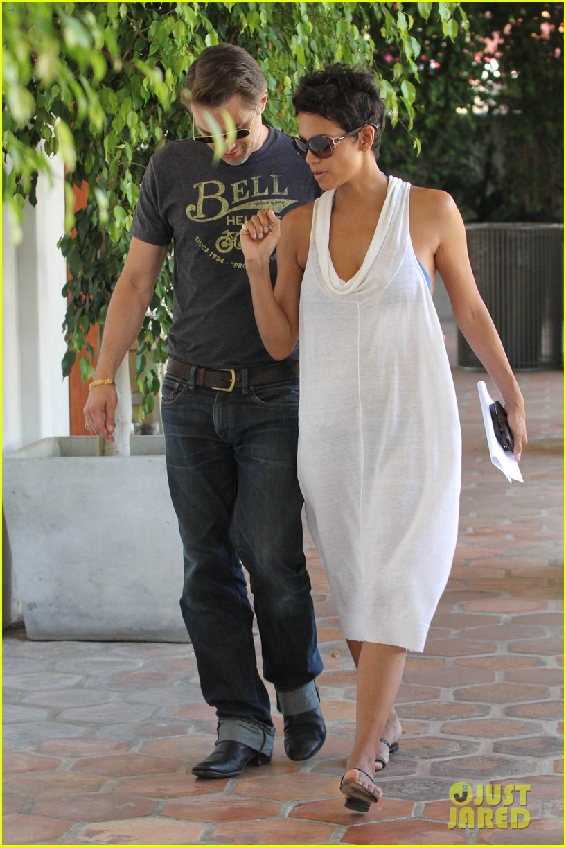 halle berry olivier martinez malibu shopping mates 12