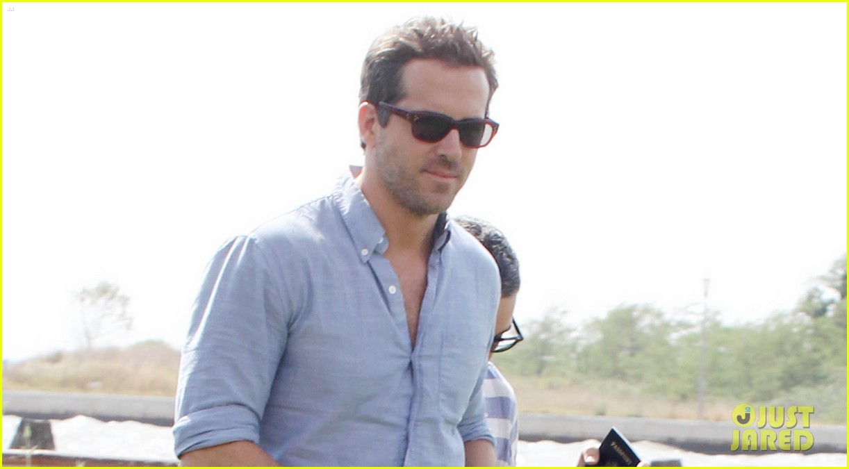 blake lively ryan reynolds leave venice 022712889