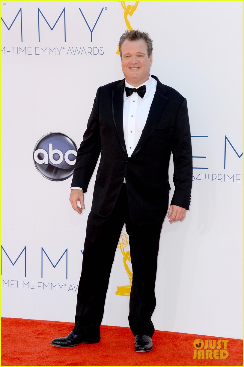 julie bowen eric stonestreet win emmys for modern family 052727292