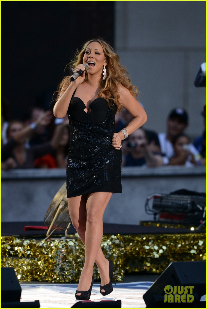 mariah carey triumphant at nfl kick off concert 04