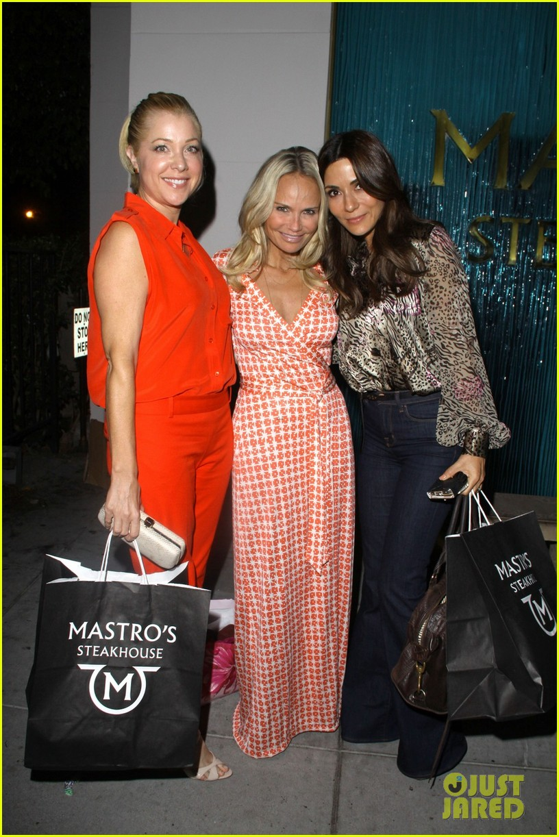 kristin chenoweth mastros dinner with gcb ladies 032727736