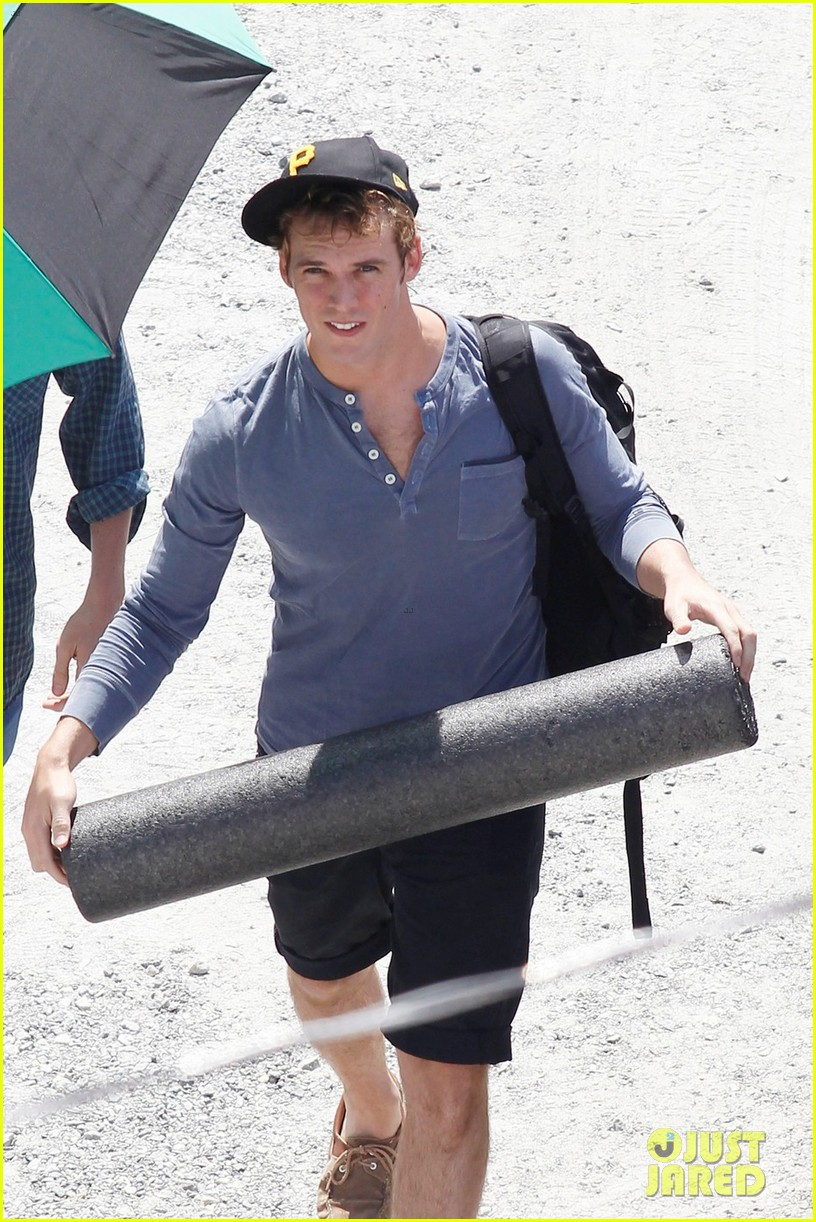 sam claflin jena malone hunger games catching fire set 13