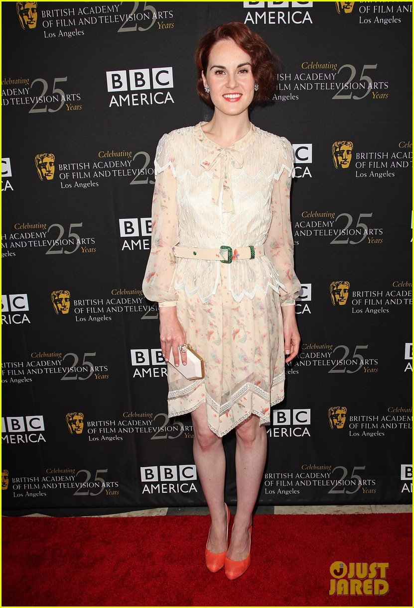 emilia clarke aaron paul bafta pre emmy tea 05