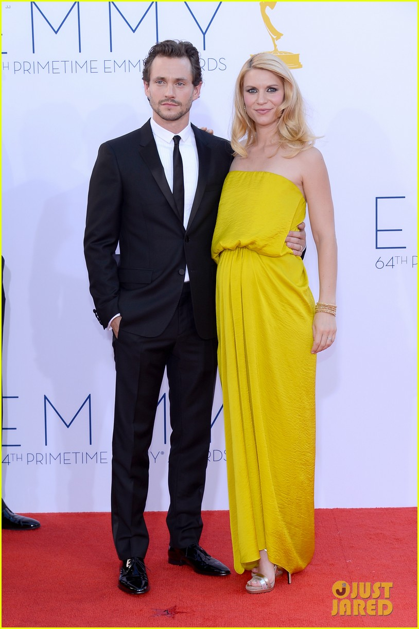 claire danes hugh dancy emmys 2012 red carpet 052727323