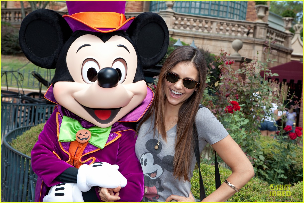 Nina Dobrev Haunted Mansion At Disney S Magic Kingdom