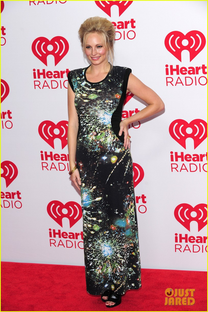 nina dobrev iheartradio music festival with candice accola 032727697