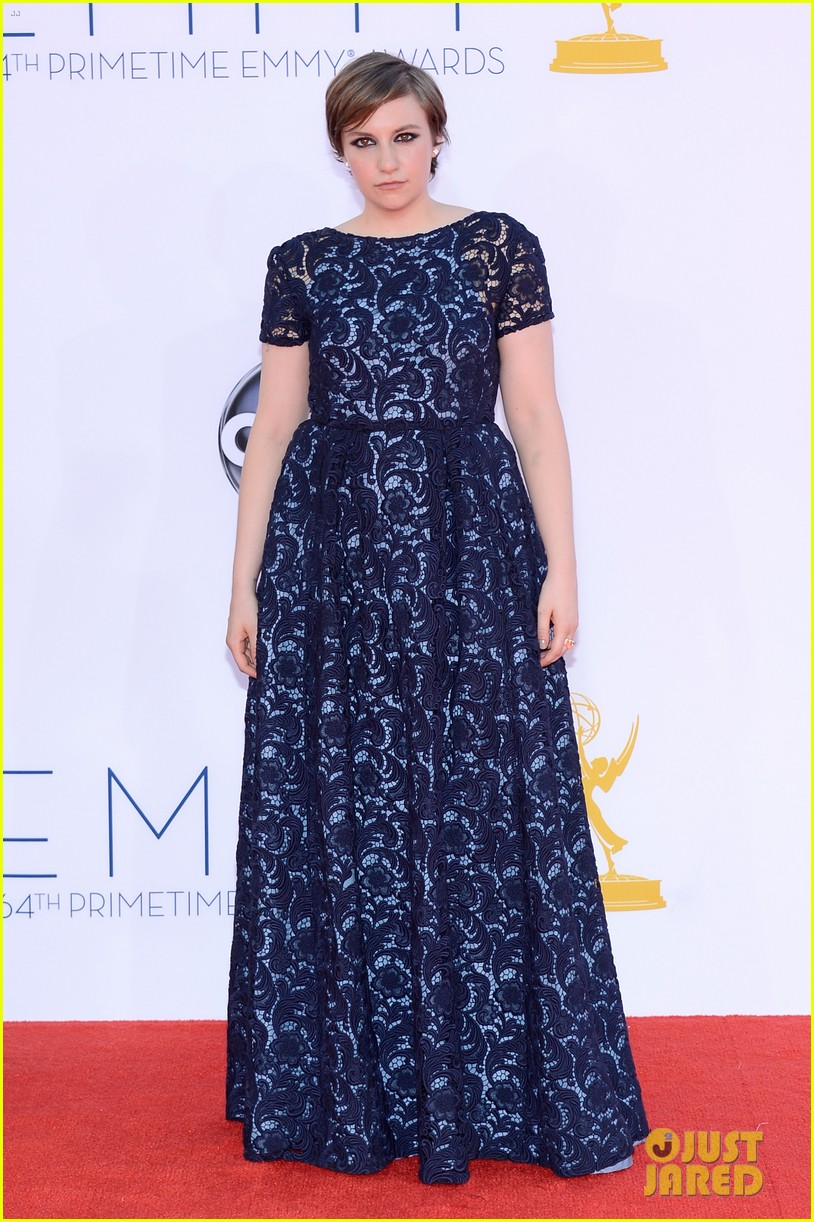 lena dunham allison williams emmys 2012 red carpet 012727248