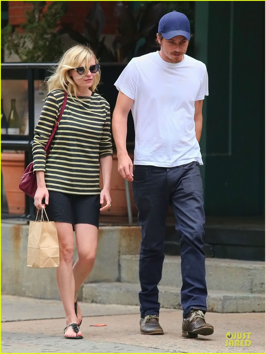 kirsten dunst garrett hedlund labor day new york 032713681