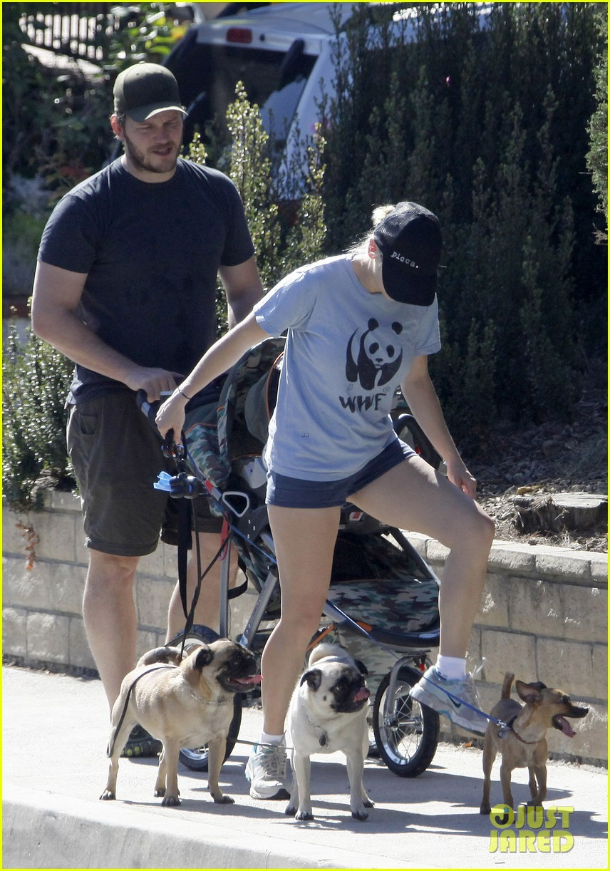 anna faris chris pratt strolling with baby jack 242730482