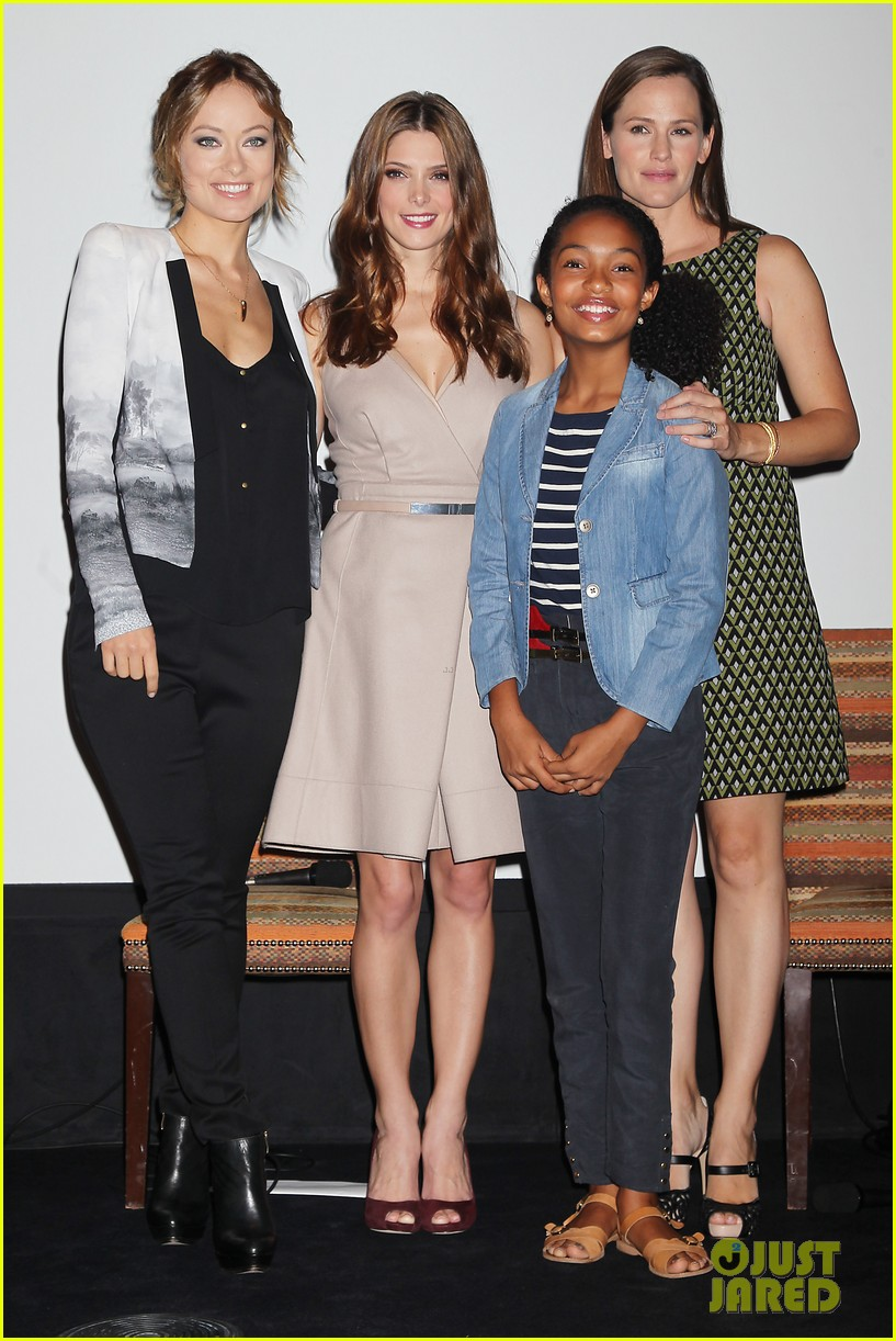 jennifer garner olivia wilde butter press conference 02