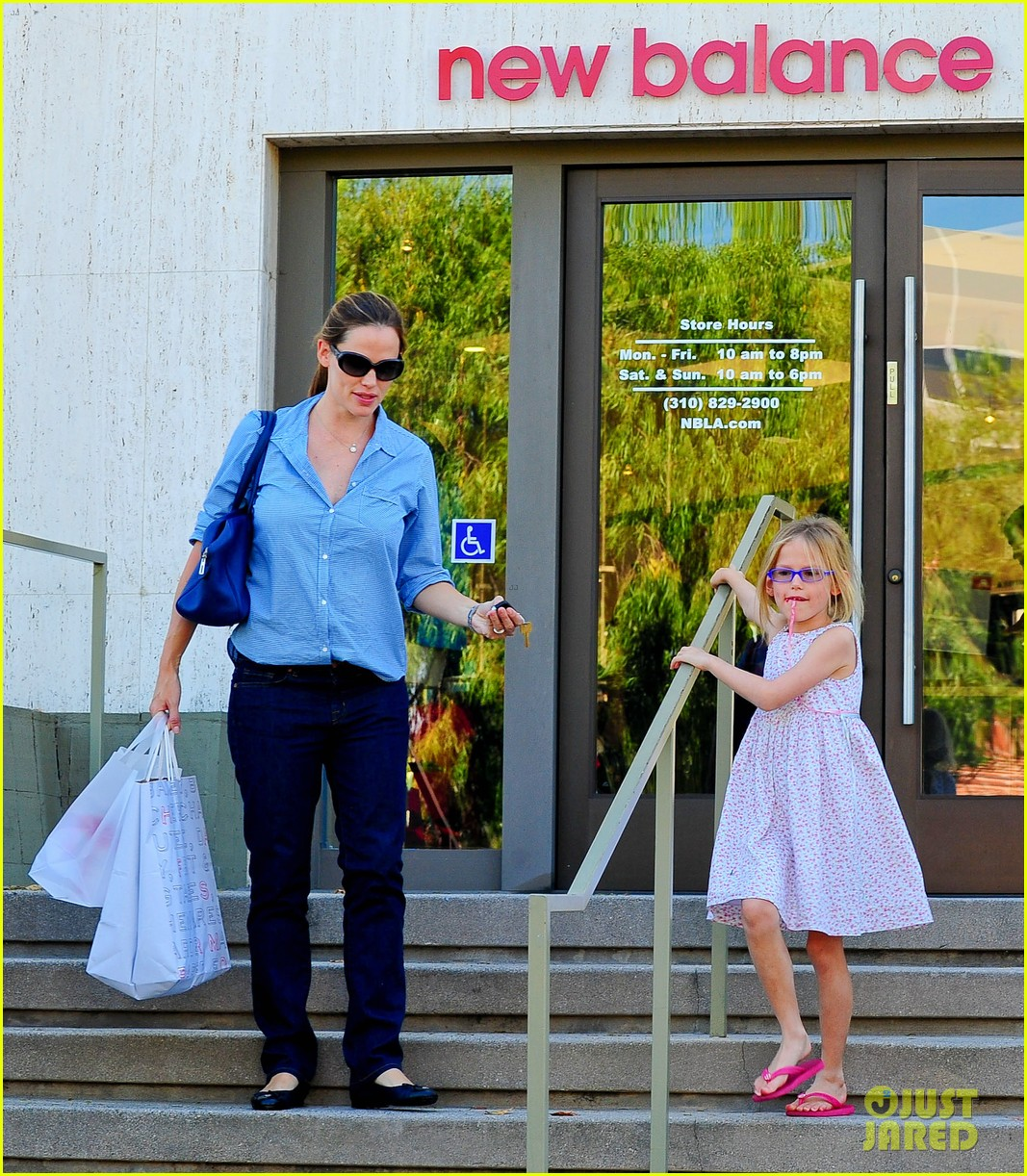 jennifer garner weekend outings with the kids 22