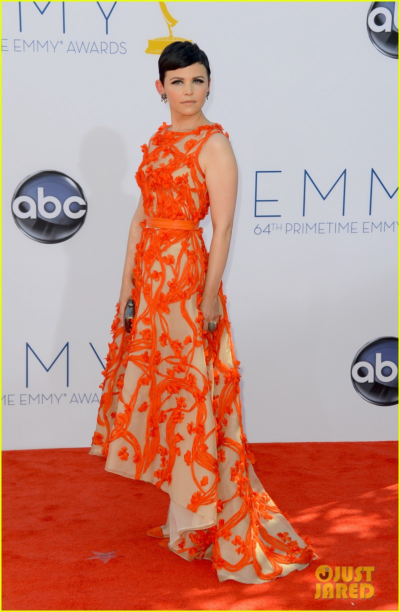 ginnifer goodwin emmy 2012 red carpet 01