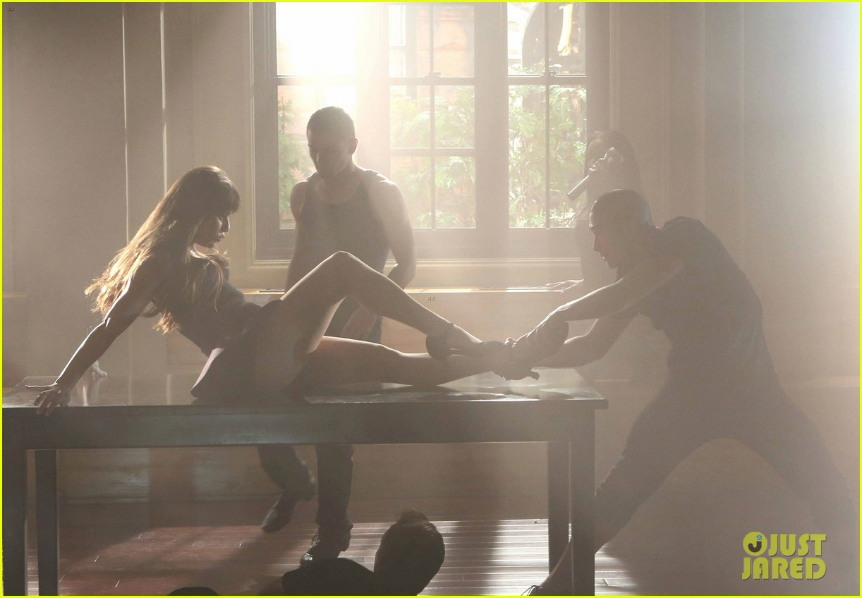 lea michele dean geyer glee britney 2 0 stills 022714434