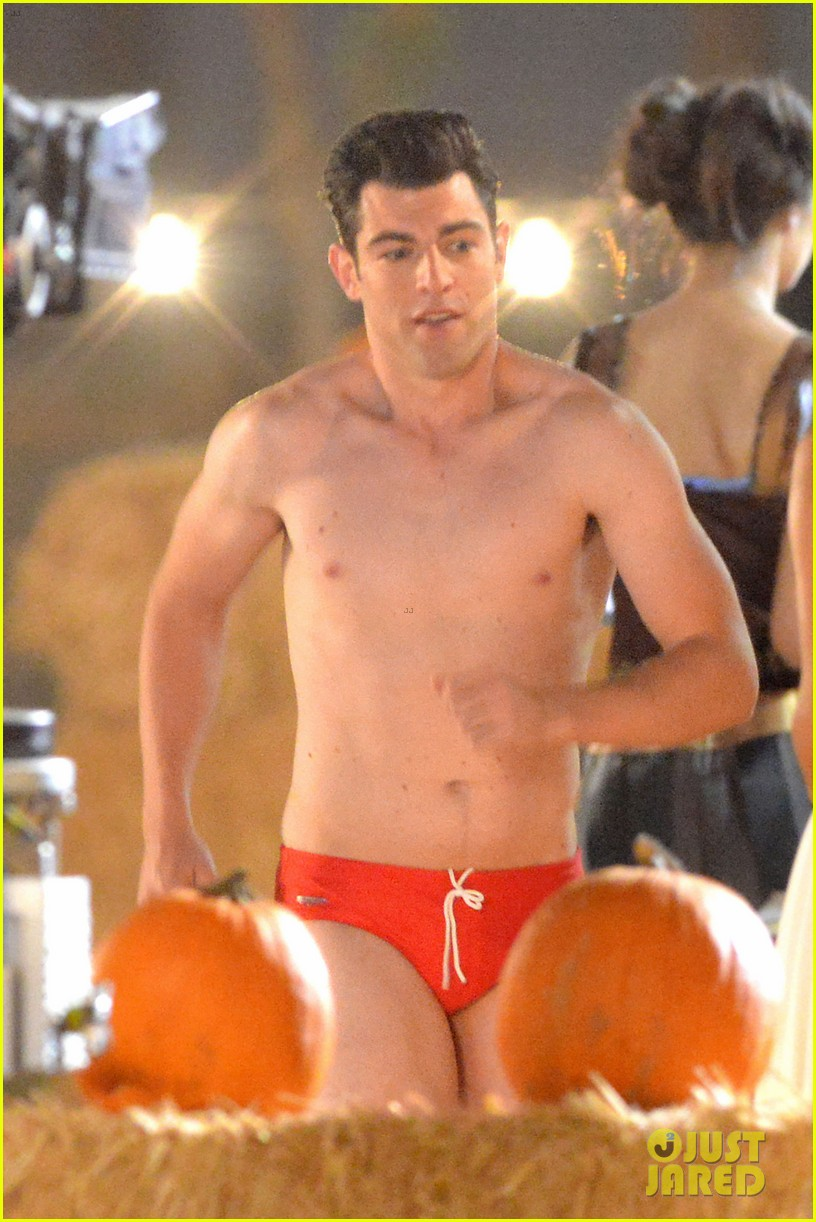max greenfield shirtless speedo sexy on new girl set 02