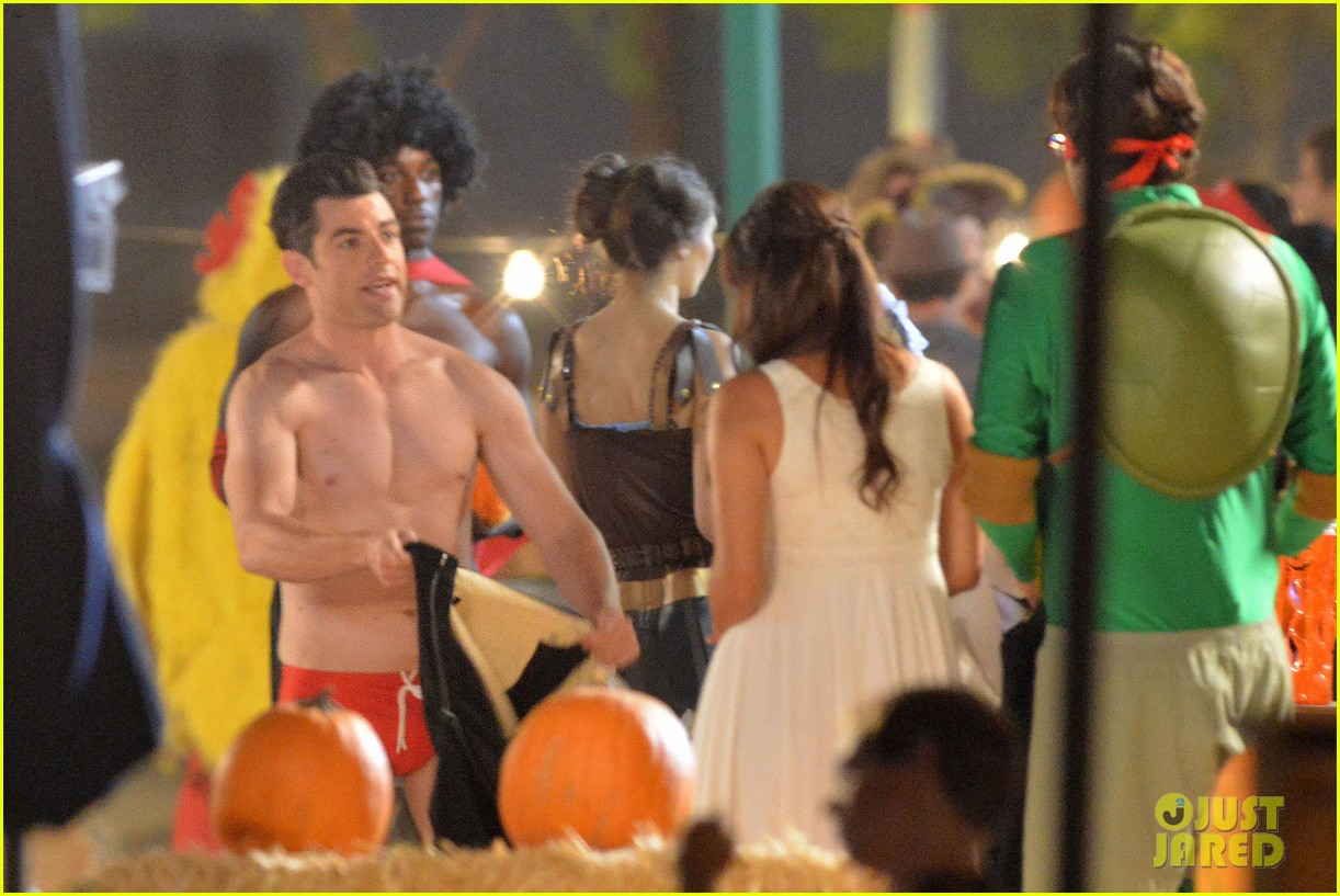 max greenfield shirtless speedo sexy on new girl set 15